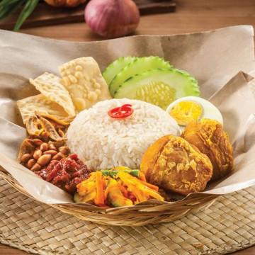 OLDTOWN Nasi Lemak with turmeric Fried Chicken(Rp48)